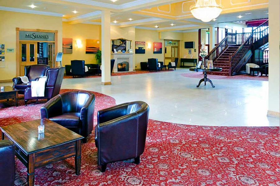 Grand Hotel Ballina reception
